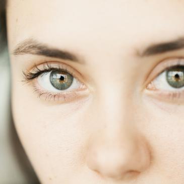 Beneficios-de-las-lentillas-desechables-diarias-Natural-Optics